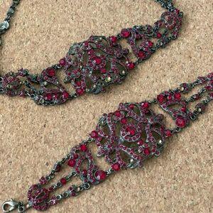 Choker necklace and bracelet set.